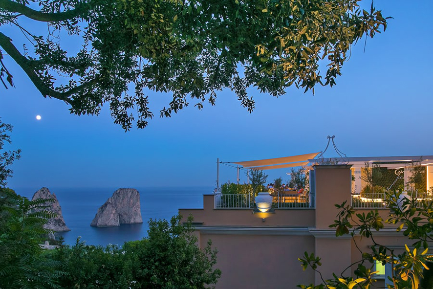 Capri Rooftop Lounge Bar