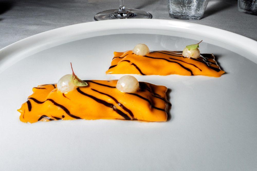 Franco Mare - Ravioli di scampo, nduja e aglio nero