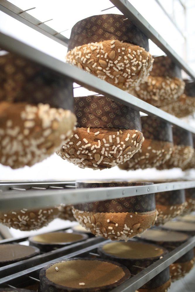 Gran Caffe' Romano - lavorazione del panettone artigianale