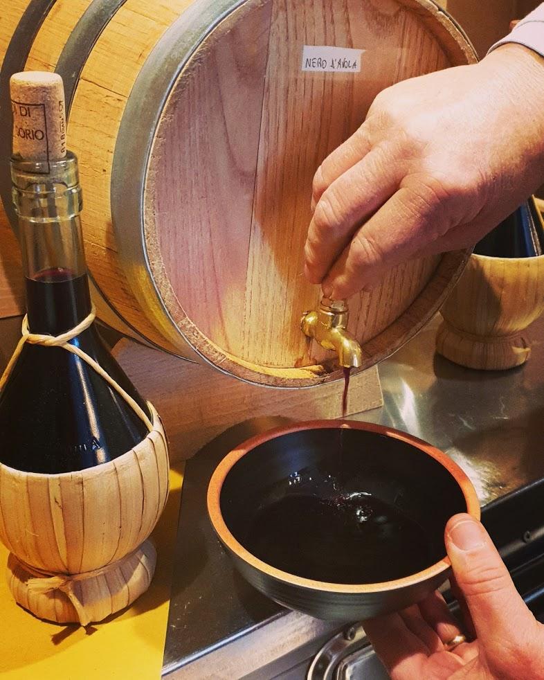 La Vineria Senza Cucina. - vino in ciotola