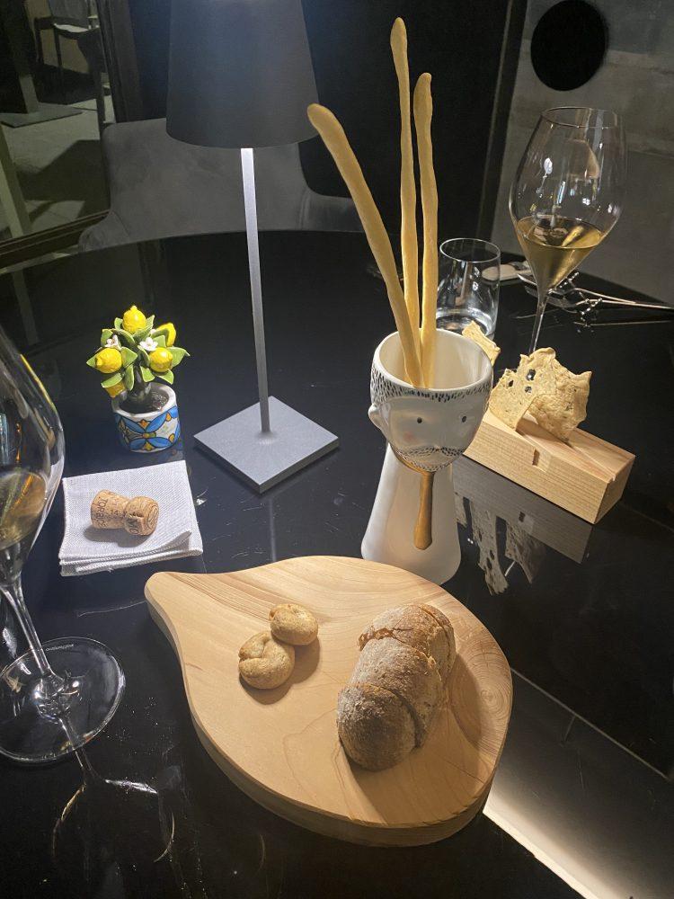Michelasso - Pane, grissini all'olio extravergine, cialde di riso