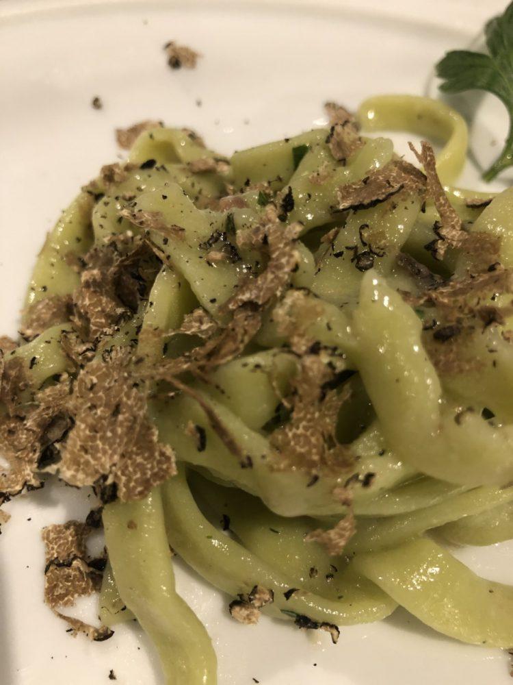 Nautilus - tagliolini alla clorofilla con burro di bufala e tartufo