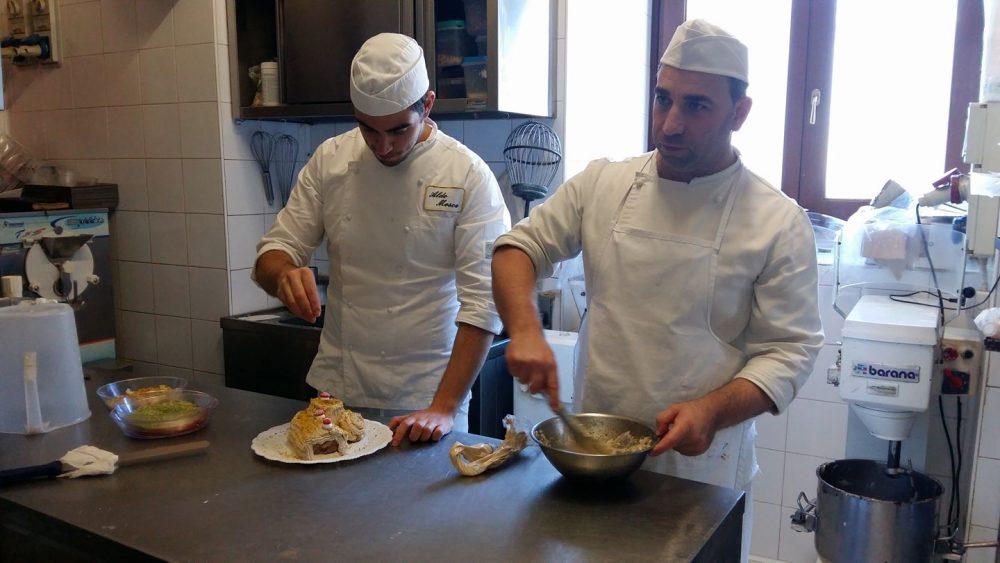 Pasticceria San Nicola - Il proprietario e pastry chef Mariano