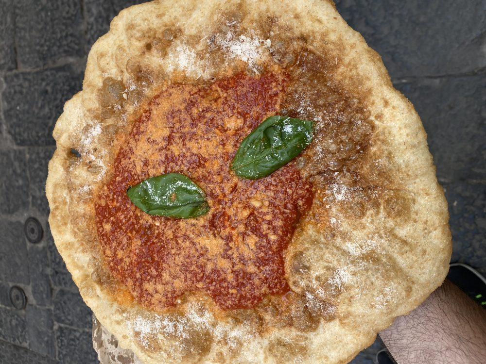 Pizza Fritta - Antica Pizza Fritta da Zia Esterina Sorbillo