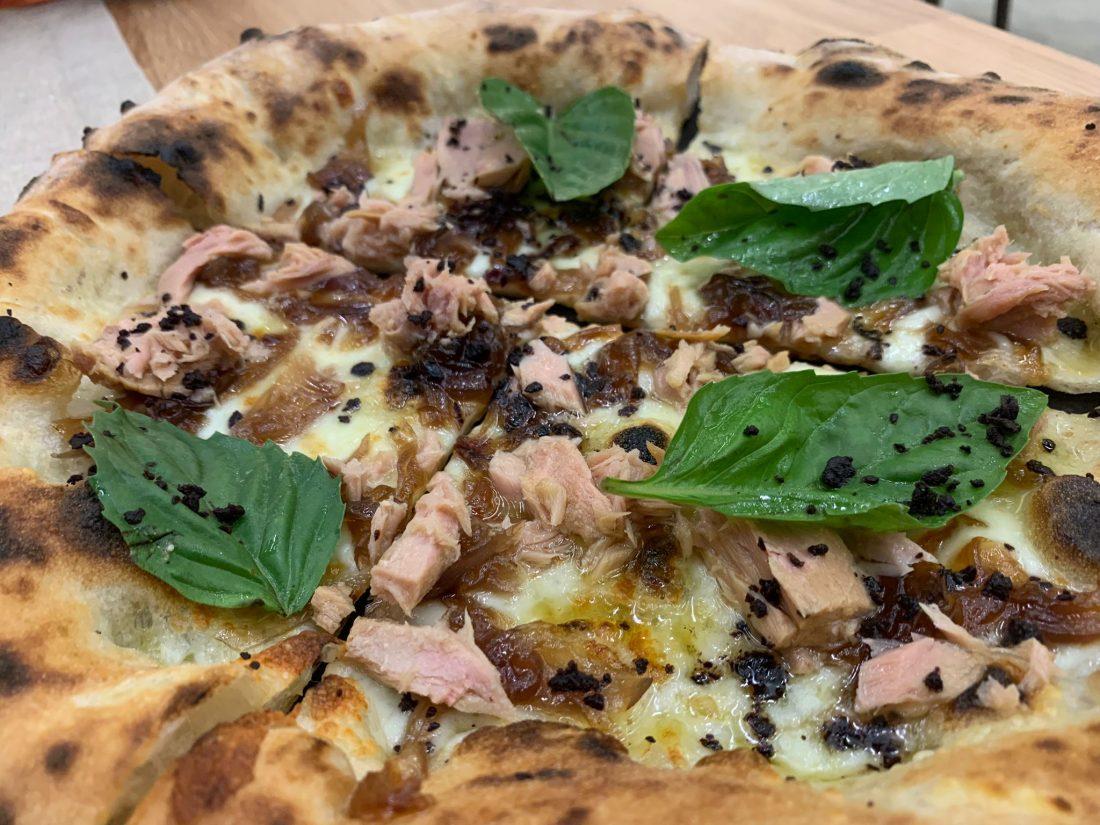 Pizza con il tonno di Simone De Gregorio