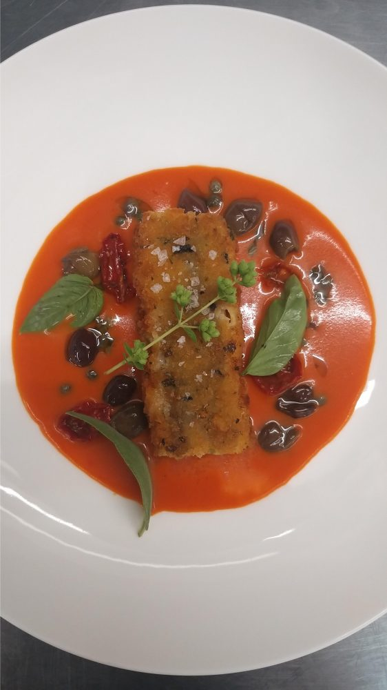 Ristorante Villa Margherita - Baccala' fritto in crosta di pane alle alghe scarola saltata pesto e olive nere