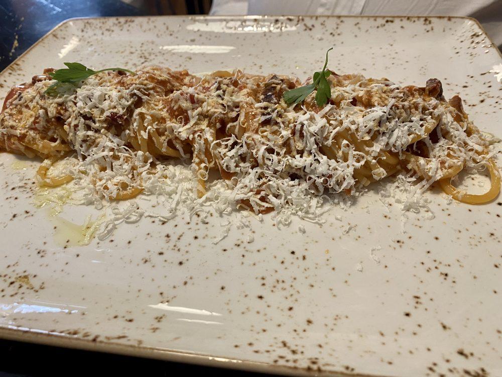Vermicelli con aglio rosso di Nubia, pomodoro secco, finocchietto e ricotta salata di Montella - Nunziatina