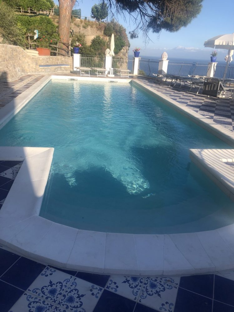 La piscina di villa Pandora