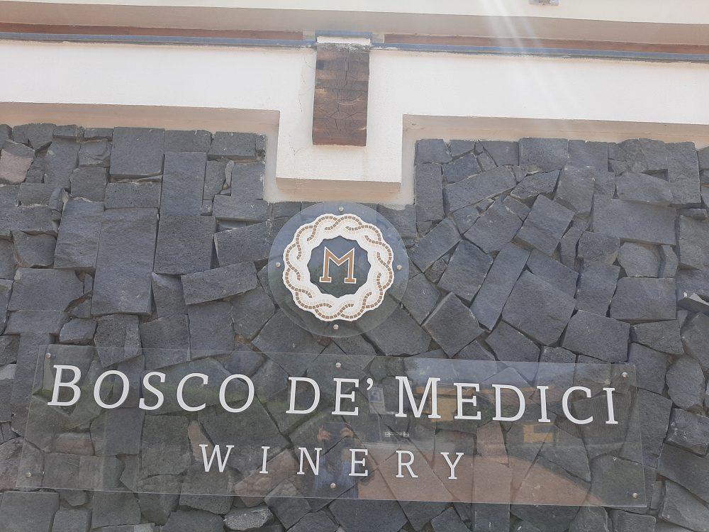 Bosco de' Medici Insegna