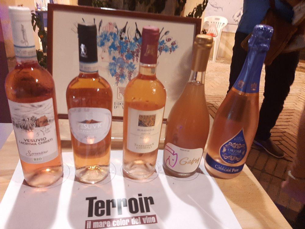 Bottiglie di vini rosati