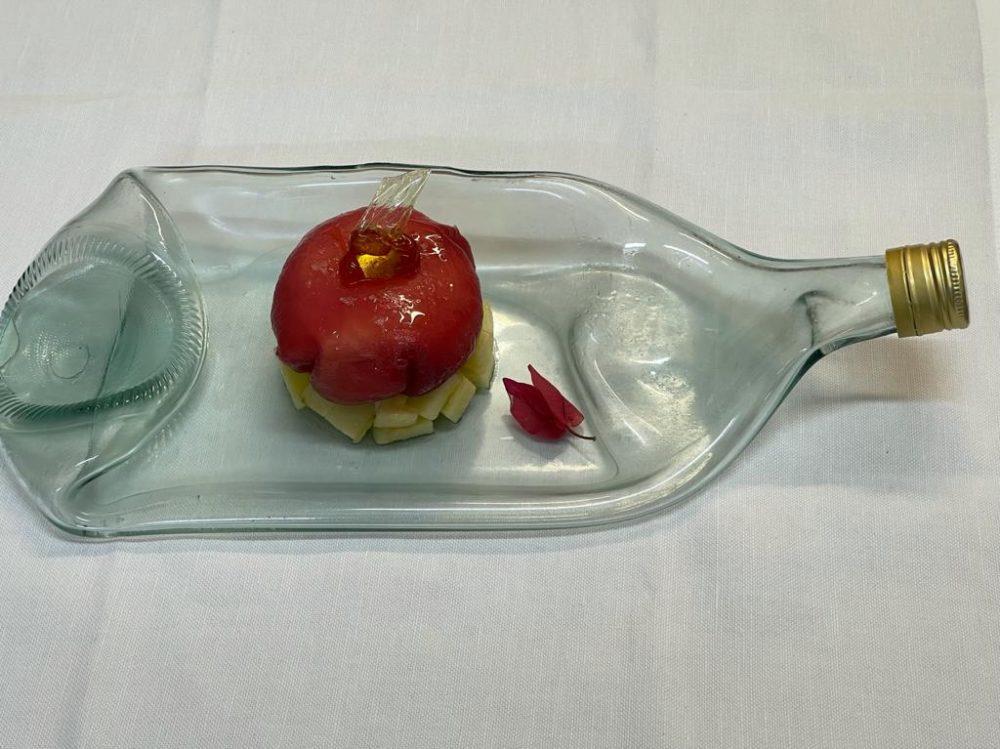 DUBL AL SALVATORE - Bon bon di tonno ripieno di burrata su insalatina di mele