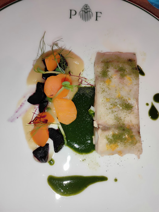 Palazzo Fiuggi, ombrina con carote muticolore, pastinaca ed erbe