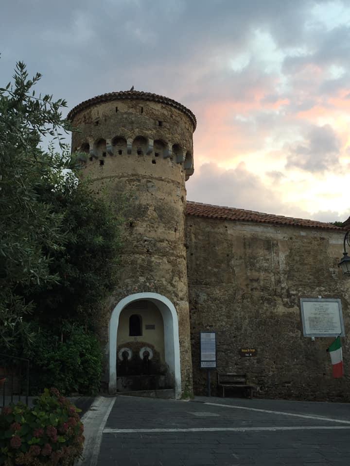 Vatolla, uno scorcio del castello