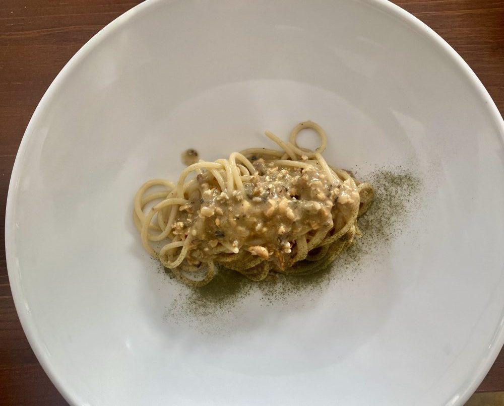 Boccadoro - Spaghetti con impepata di cozze e polvere di prezzemolo