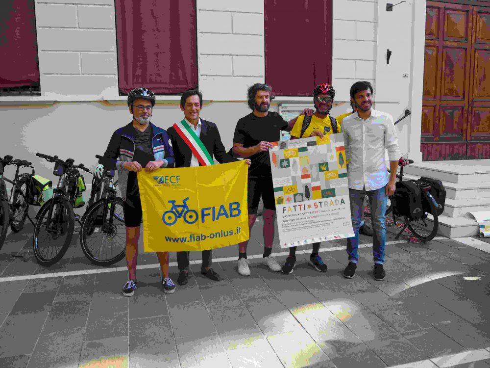 Giornalisti con sindaco Castenaso