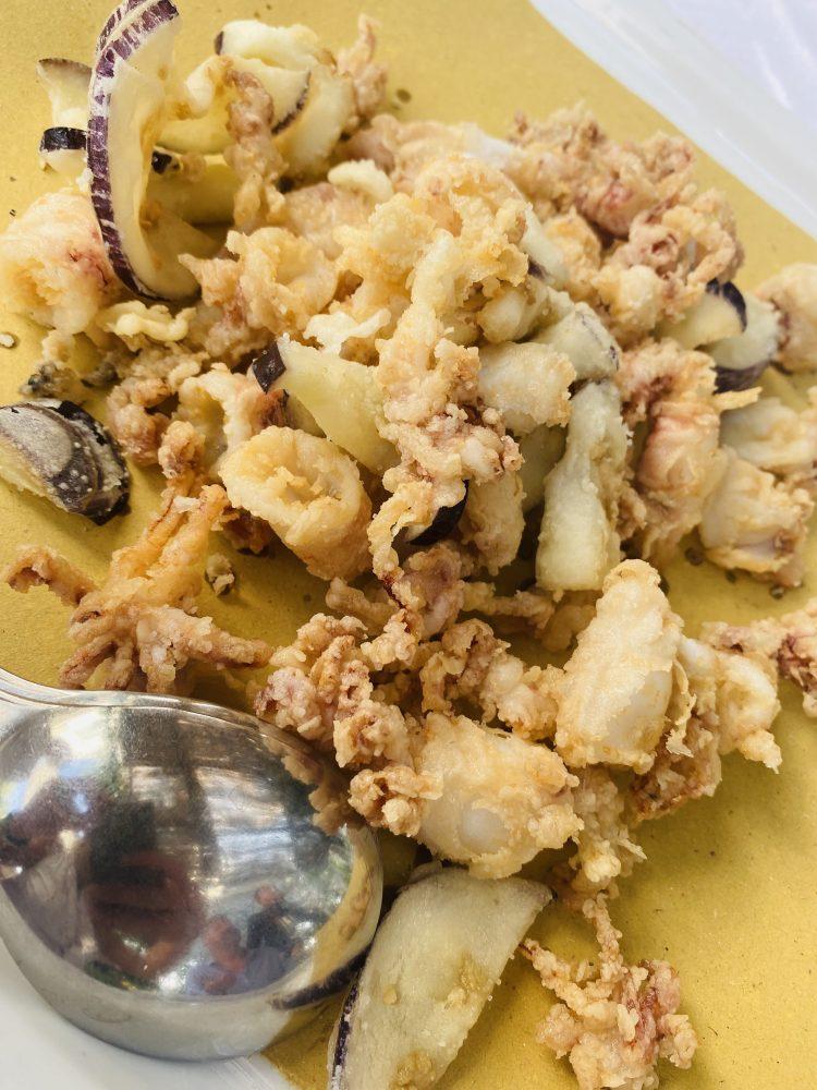 La Capanna di Eraclio - fritto di calamaretti e melanzane