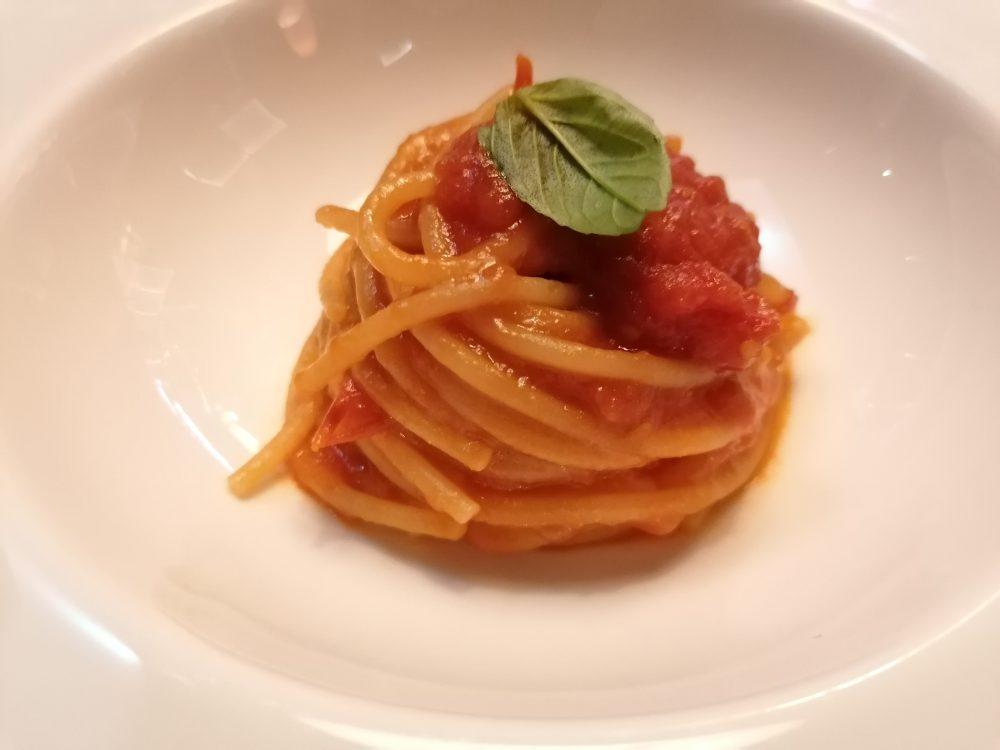 Consorzio Tutela Vini del Vesuvio alla Milano Wine Week -spaghetto al pomodori del piennolo