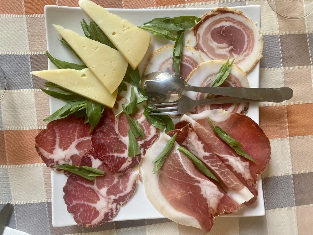 Palazzo Rainone - Filo Cafe', salumi e formaggi