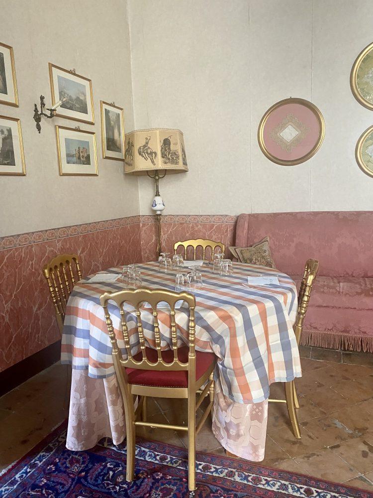 Palazzo Rainone - Filo Cafe', tavolo